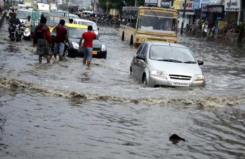 Army personnel flood relief operation , Flood in chennai, Heavy Rain in tamil, Indian coast guard, latest news on tamil flood, Indian army, chennai heavy rain images, latest news on chennai rai