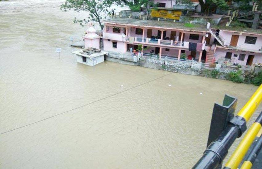 उत्तराखंड: चमोली-पिथौरागढ़ में बादल फटने से 30 मरे, अलकनंदा खतरे के निशान से ऊपर