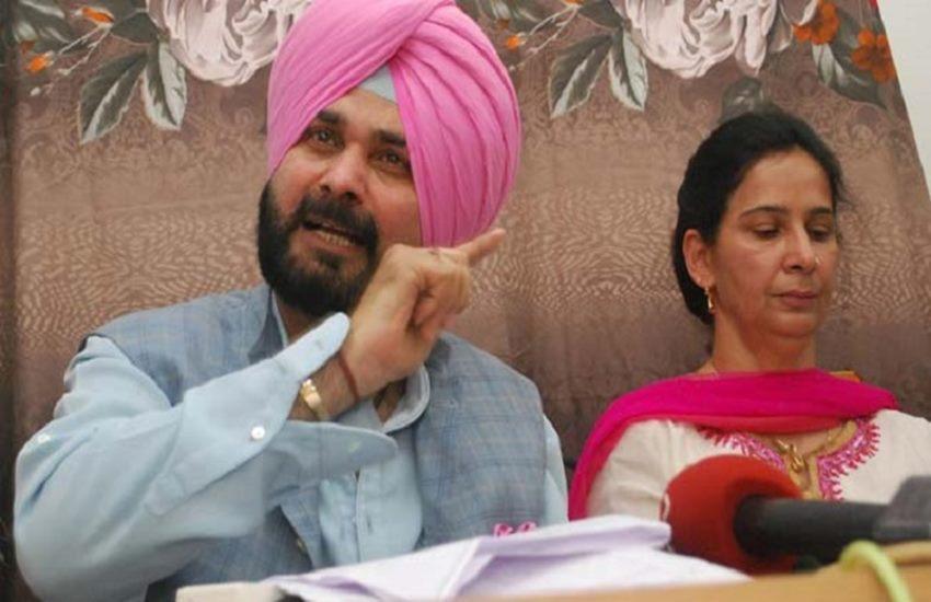 मीडिया से मुखातिब नवजोत सिंह सिद्धू, कहा- मुझसे पंजाब छोड़ने के लिए कहा गया, इसलिए छोड़ी राज्यसभा