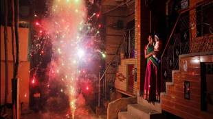 diwali, pollution, pollution free diwali, how to, how to beat pollution, pollution on diwali, free pollution, crakers, fireworks, health tips, health news