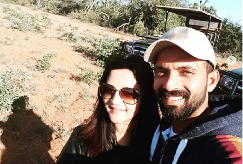 Ajinkey rahane with wife