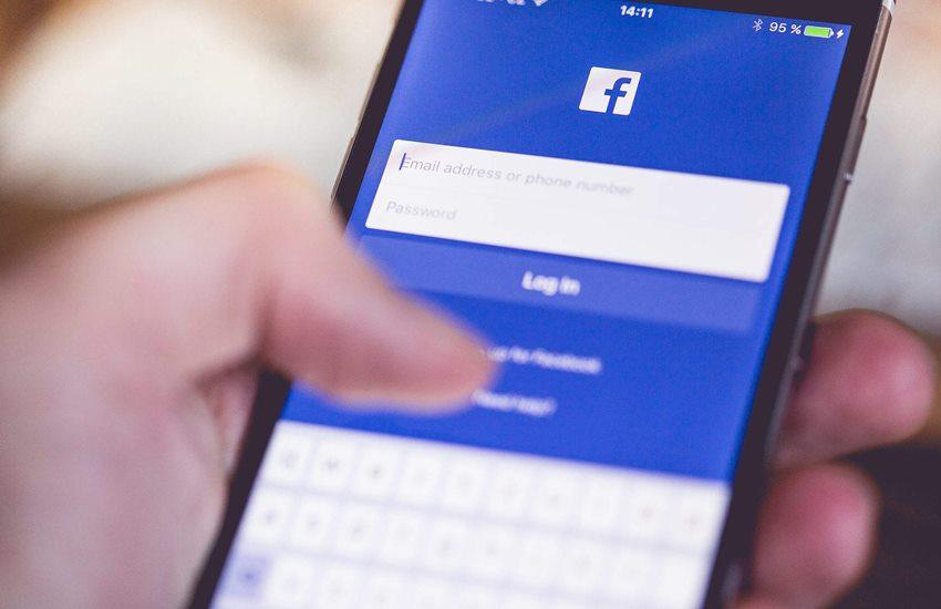 facebook contacts, facebook friends, facebook data leak, facebook data theft, facebook contacts upload