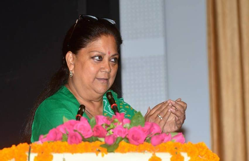 Rajasthan Assembly Elections 2018, Rajasthan, Rajasthan Government Staffers Strike, 7th Pay Commission, Strike, End, Bhratiya Janta Party, Assembly Elections, Polls, Rajasthan Government Employees, Strike, Protests, End, Schedule, State Assembly Elections, EC, Model Code of Conduct, Polls, 7 December 2018, Demands, Government Employees, Implementation, 7th Pay Commission, Recruitment of Staff, Retirement Benefits, Pensioners, Pay Grade, Increase, New Initiatives, Grants, Financial Decisions, Delay, Talks, Waste, Time, Rameshchand Sharma, State General Secretary, Rajasthan State Ministerial Employees Union, Jaipur, Rajasthan, CM, Vasundhra Raje, BJP, State News, Hindi News