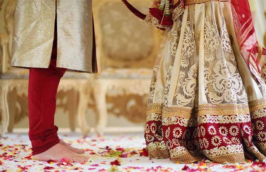 Bride And Bridegroom, Bride And Bridegroom marriage, Bride And Bridegroom wedding, Bride And Bridegroom sat fere, Seven Round, Seven Round in marriage, Seven Round in hindu, religion news
