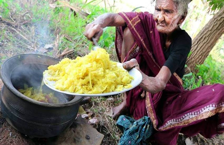 Mastanamma, granny Mastanamma dead, Mastanamma youtube channel, worlds oldest youtuber, andhra chef mastanamma dead, country foods youtube, country foods, india news, lifestyle, lifestyle news, health, health news, hindi news, news in hindi, jansatta
