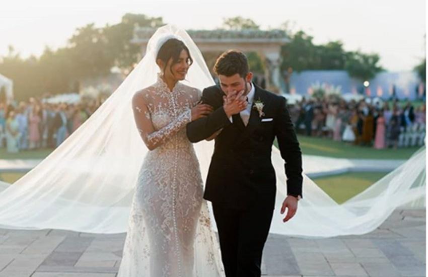 Trending news, Priyanka chopra, troll, trollers, Cricket Pitch,American singer Nick Jonas,Nick Jonas,wedding gown, प्रियंका चोपड़ा, निक