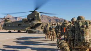CH-47, chinook CH-47, Chinhook helicopters, heavy lift helicopters, Indian Air Force, Boeing, Boeing India, IAF Chinhook, Apache attack helicopters, India News, indian airforce
