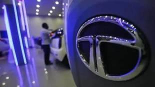 Economic slowdown, Tata Motors, Tata Motors revenue, JLR, financial year, Tata Motors debt, Tata Motors net debt, Tata Motors JLR, Jaguar Land Rover, TML,Tata Motors revenue, Tata Motors year-on-year revenue