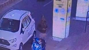 Jhansi police, CCTV, viral video, bribe, Jhansi police, crime, CCTV footage, video viral, yogi