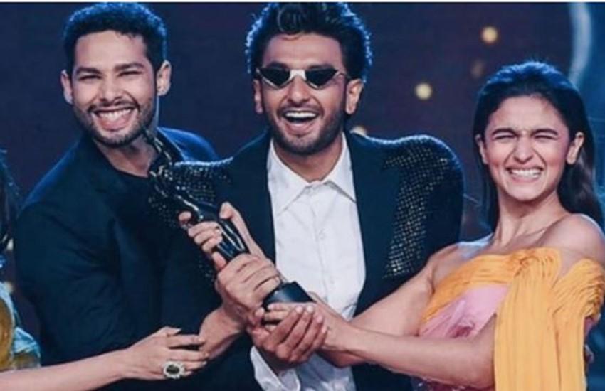 Filmfare 2020, Gully boy, gully boy win most award, gully boy filmfare 2020, gully boy win most award in filmfare 2020, Filmfare winners list, akshay kumar perfomence in Filmfare Awards, kartik aaryan dance in filmfare2020, ranveer singh perform in filmfare2020, filmfare in assam, filmfare winners list,news from bollywood News,news from bollywood News in Hindi,news from bollywood Latest News,filmfare awards 2020 winners list,filmfare awards 2020,Filmfare Awards,65th amazon filmfare award 2020,