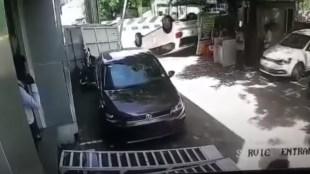 Volkswagen Polo topples