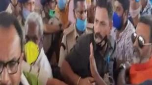 Jharkhand train, Nishikant Dubey, Pradeep Yadav, Dubey Yadav clash, Ranchi news, Jharkhand news, Uproar before the start of new train in Godda, MP MLA clashed before the inauguration of the train in Godda, MP and MLA clashed in Godda, before the train started in Godda,गोड्डा में नई ट्रेन के शुरू होने से पहले हंगामा, गोड्डा में ट्रेन के उद्घाटन से पहले भिड़े सांसद विधायक, गोड्डा में सांसद और विधायक भिड़े, गोड्डा में ट्रेन शुरू होने से पहले भिड़ंत,Hindi News, News in Hindi, jansatta