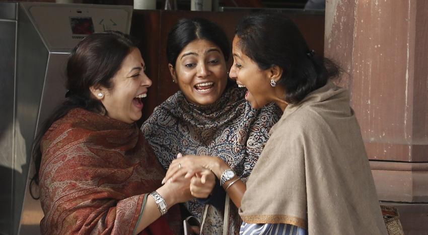 lalu prasad yadav daughters, Rajlakshmi yadav MIL Dimple Yadav, Mamata Banerjee lifestyle, bengal violence