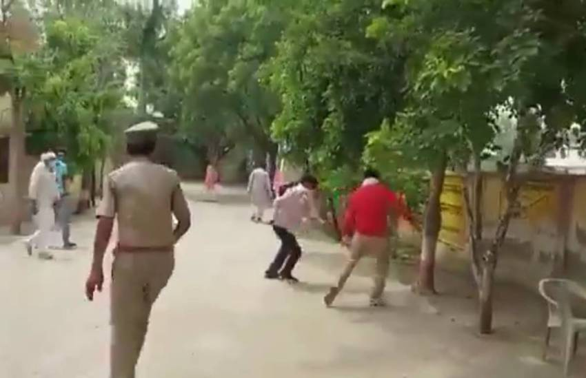 Kannauj, Kannauj UP, TV Reporter Beaten, ABP Reporter Beaten, Kannauj News in Hindi,