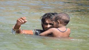 Bihar, Flood in Bihar, last rites had on scaffold, CM Nitish kumar, Bihar government