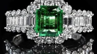 Panna Stone, Panna ratna, gemstone, emerald stone, emerald stone benefits, panna pehnne ke fayde,