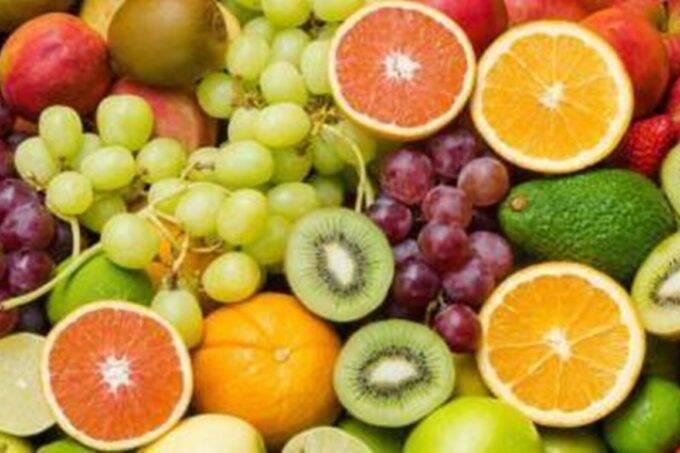 rujuta diwekar, fruits, fitness tips, diet tips