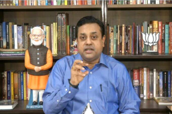 News 18 India, Live Debate, Amish Devgan, Sambit Patra, संबित पात्रा, Sambit Patra furious over Arvind Kejriwali,