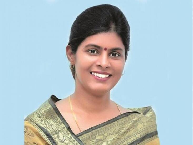 Dimple Yadav, Anupriya Patel
