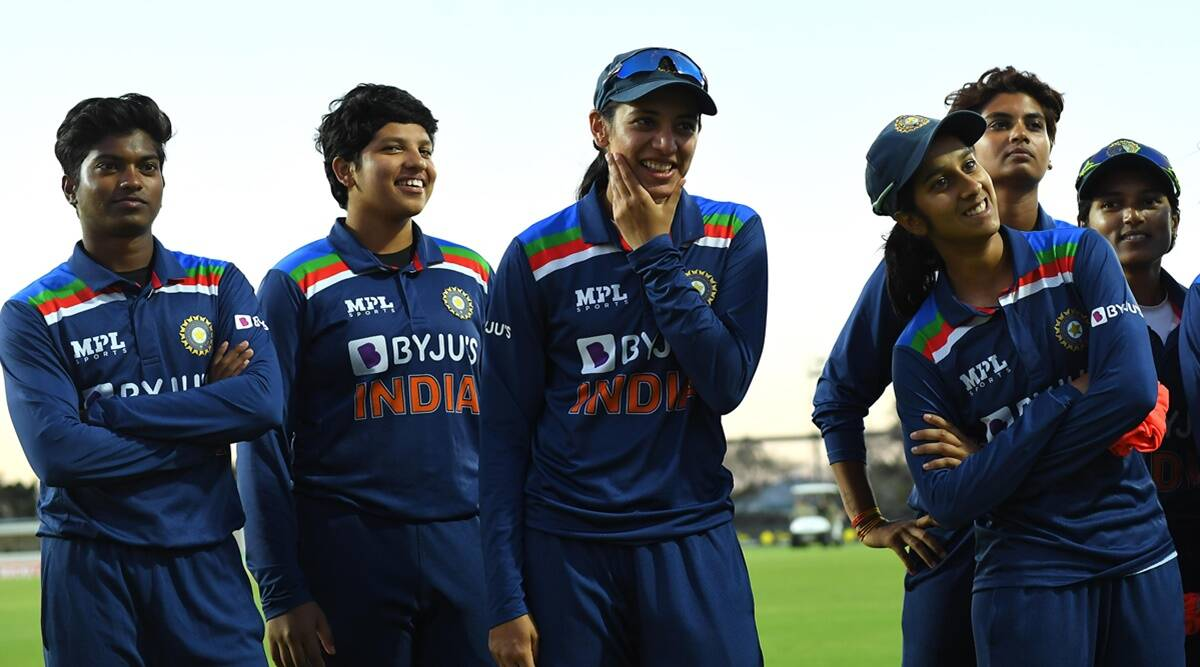 INDW vs AUSW Team India won by 2 wickets in thrilling match Jhulan Goswami became 1st woman cricketer to take 600 wickets