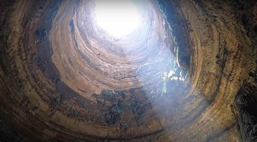 Well of Barhout, Well of Hell, Yemen