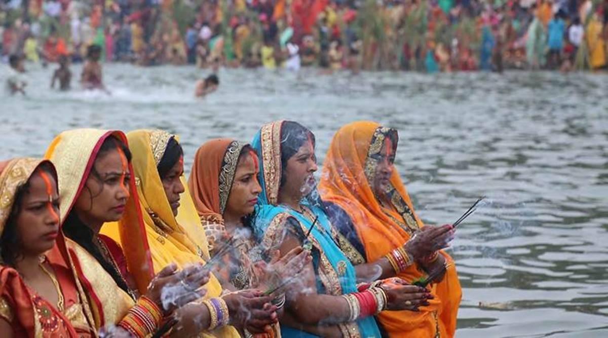 Chhath Puja 2021 : Chhath Puja Not Allowed Public Place in Delhi Corona Cases increase - कोरोना के खतरे को देखते हुए दिल्ली में सार्वजनिक जगहों पर छठ पूजा करने पर लगी रोक