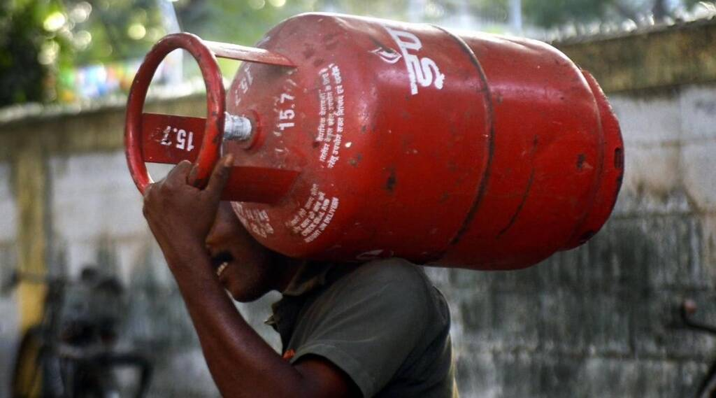 How to book gas Cylinder, how to cashback on Cylinder, paytm offers