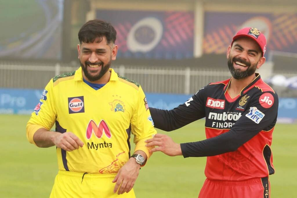Mahendra Singh Dhoni Captain of Chennai Super Kings and Virat Kohli Captain of Royal Challengers Bangalore