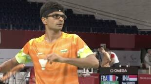 tokyo-paralympics-suhas-ly-noida-dm-registers-first-win-in-badminton-even-beats-german-player-in-straight-sets
