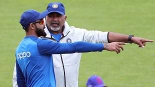 Virat Kohli with Indias bowling coach Bharat Arun