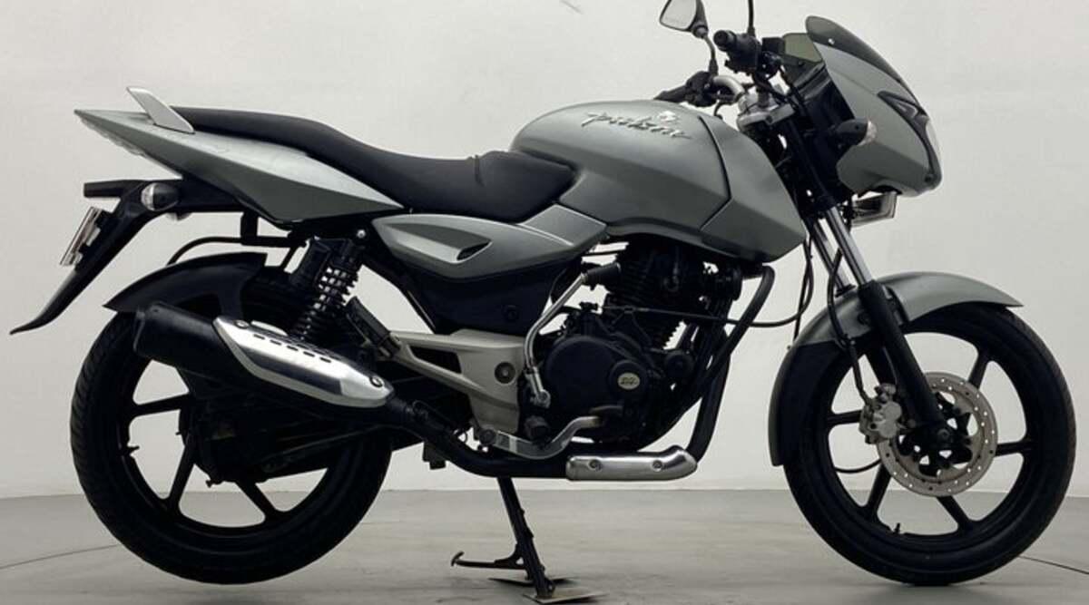 Buy Bajaj Pulsar 150 sports bike worth 1 lakh in just 26 thousand, the company will give 1 year warranty