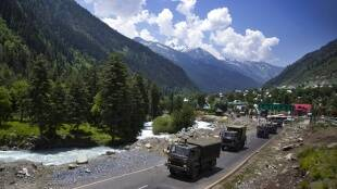 Chinies Army, Indian Army