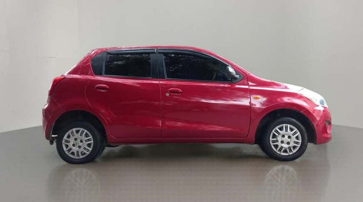 Buy Datsun Go for 2.1 lakhs on zero down payment, the company will give warranty plan with money back guarantee