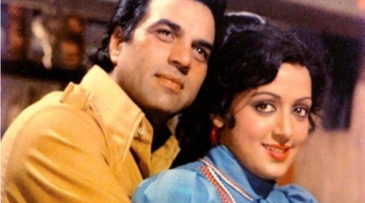 Hema Malini Mom Jaya Chakraborty Tried To break Daughter's relationship with Sanjeev Kumar, Hema Malini's mother had increased her closeness with Dharmendra, the maneuver was reversed!