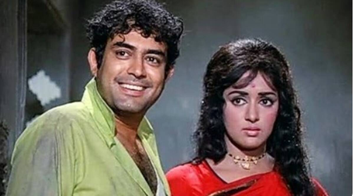 When Hema Malini's love blossomed for Sanjeev Kumar, the talk between the two had deteriorated!
