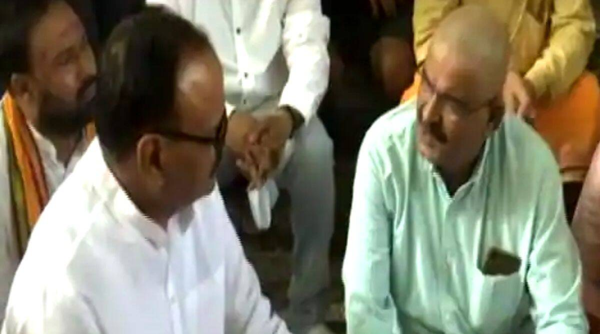 Lakhimpur Kheri incident: BJP leaders reached the house of the slain workers, avoiding the families of farmers