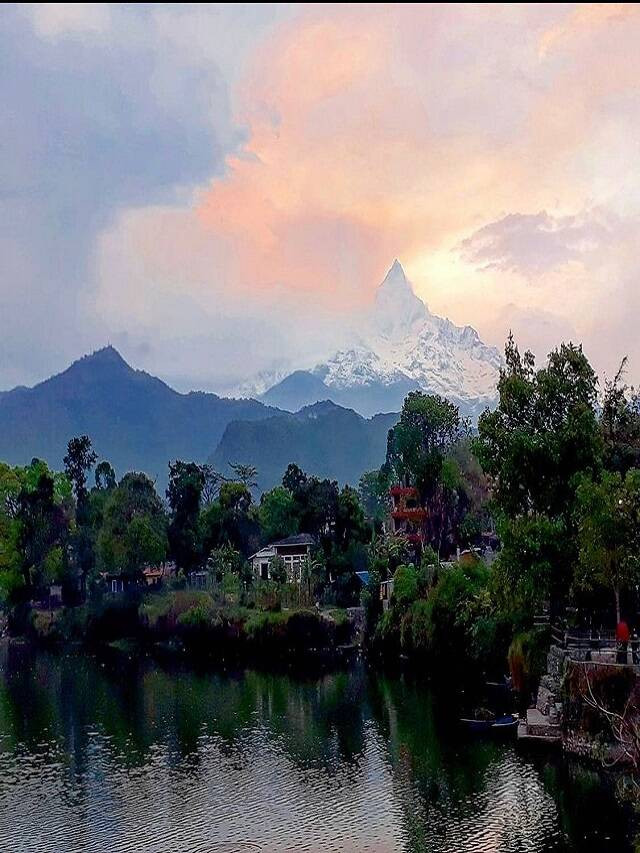 Pokhara, the city of calm lakes and beautiful plains