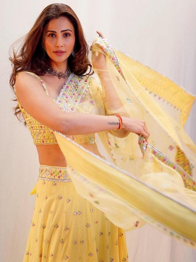 Daisy Shah dazzled in Navratri look