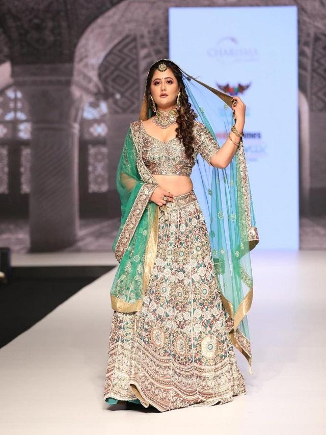 Have you seen Rashmi Desai's 'Princess Look'?
