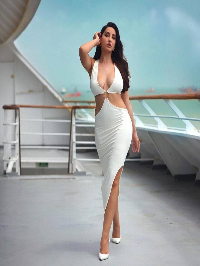 'Bodycon dress' is a hit for fit body