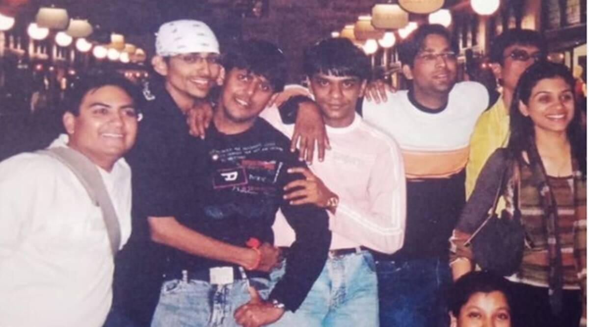 TMKOC: Throwback picture of the cast of Taarak Mehta show surfaced, did you see 'Champak Chacha'?