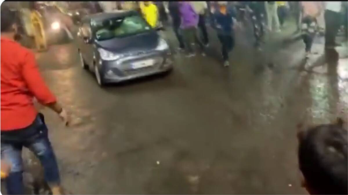 Bhopal: A speeding car rammed into the crowd during Durga idol immersion, many injured including children, driver absconding