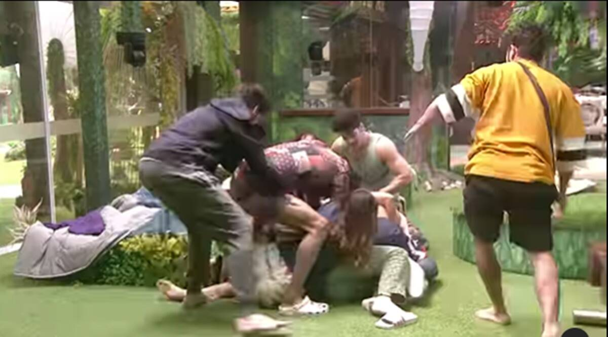 There was a riot in Bigg Boss 15, someone pulled the leg and threw it away, after watching the video, the fans said – the record of 11 and 13 will be broken