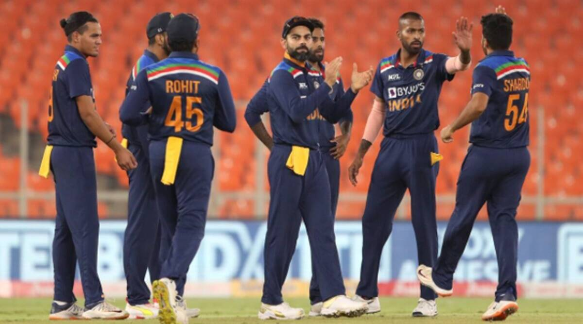 India Pakistan T20 World Cup Cricket Match 2021: Kumar Vishwas slams political parties for the match