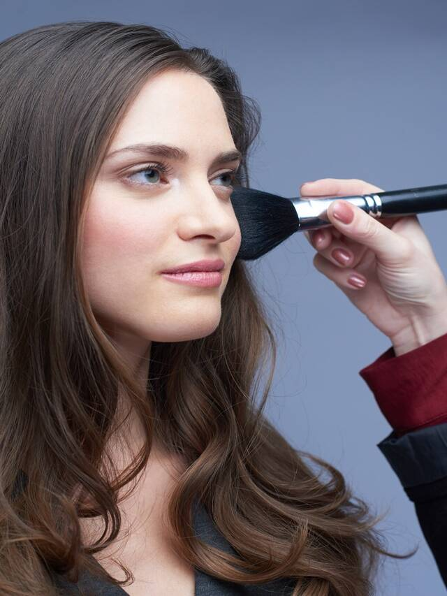 How to remove allergy caused by makeup