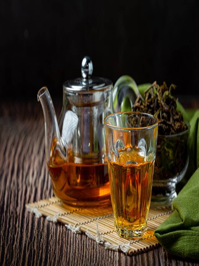 Green tea to enhance the beauty of the face