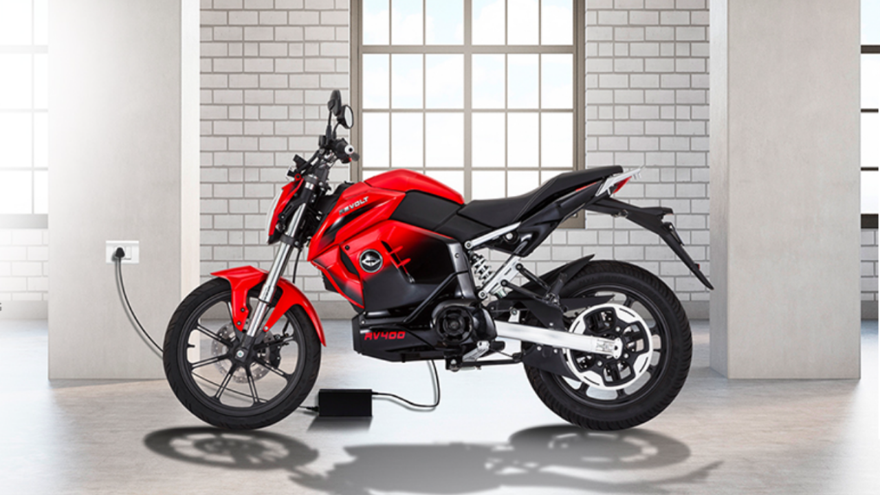 Yamaha FZ looks like, can run 150Km on a single charge, know – Features of Revolt RV 400 Revolt RV 400 looks like Yamaha FZ and can run 150km on a single charge know Features – Yamaha FZ looks like, 150Km can run on a single charge, know the features of Revolt's RV 400
