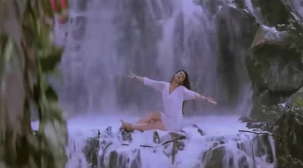 Twinkle Khanna, Mandakini, Twinkle Khanna In Rain